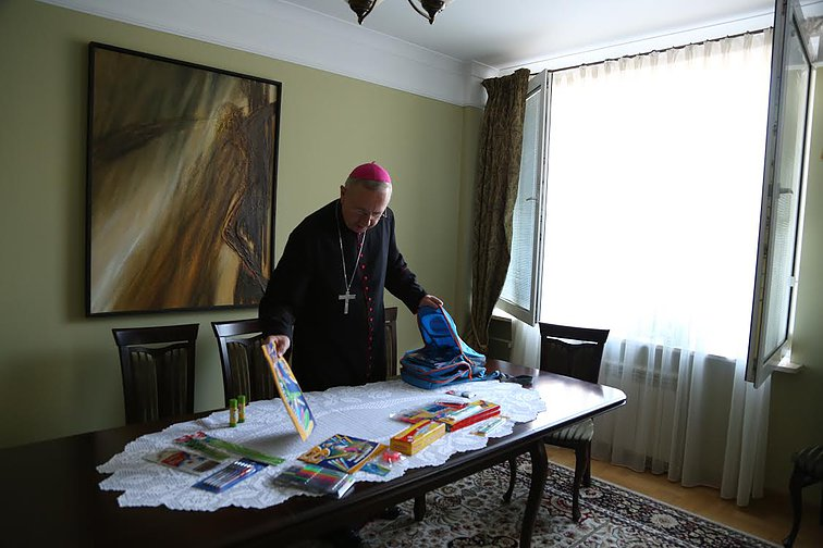 Przewodniczący Episkopatu spakował Tornister Pełen Uśmiechów