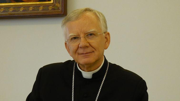 W niedzielę na Wawelu ceremonia nałożenia paliusza abp. Jędraszewskiemu