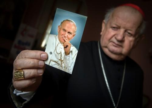 Kard. Dziwisz: św. Jan Paweł II inspiruje Kościół w Europie do życia zgodnie z Ewangelią