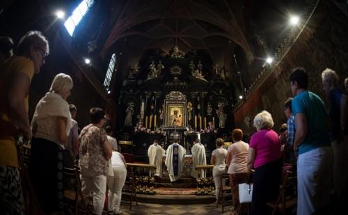 Wiara – pierwszy dzień przygotowań do Zawierzenia Polskich Parafii Matce Bożej