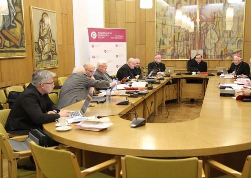 (Polski) Komisja liturgiczna KEP przygotowuje wskazania dot. duszpasterstwa chorych
