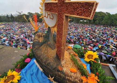 """Homilia: Będziesz świętować ku czci Boga swego. XXII. Niedziela Zwykła """"A"""". Ogólnopolskie Święto Plonów (Jasna Góra – 3.09.2017)"""