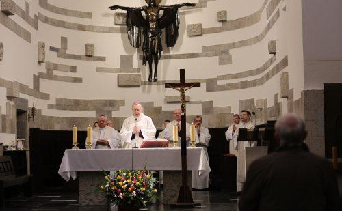 Przewodniczący KEP modlił się intencji owocnych obrad biskupów
