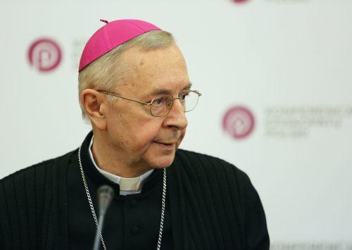 Przewodniczący Episkopatu o niebezpieczeństwie nacjonalizmu i pięknie patriotyzmu