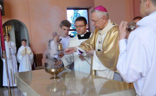 Abp. Gądecki poświęcił kościół pw. św. Maksymiliana Marii Kolbe w Luboniu