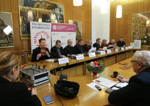 Bp Nitkiewicz: Mamy iść w kierunku jedności, modląc się o nią i kochając się nawzajem