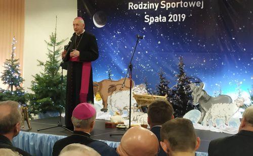 Spotkanie opłatkowe rodziny sportowej z udziałem Przewodniczącego Episkopatu