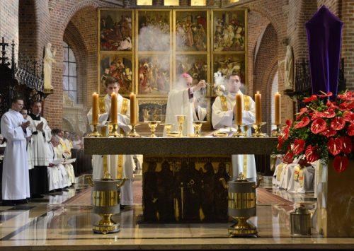 Homilia: Nasza Pascha.Msza święta Wieczerzy Pańskiej (Katedra Poznańska – 18.04.2019)