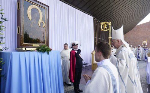Rozpoczęła się peregrynacja Obrazu Matki Bożej Częstochowskiej w archidiecezji poznańskiej