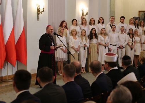 (Polski) Prymas Polski: Naszym zadaniem jest poszukiwanie prawdy, zgody i jedności
