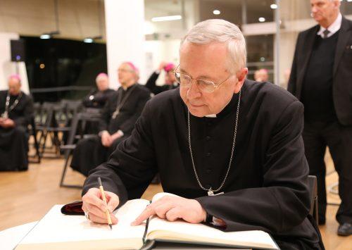 Przewodniczący Episkopatu złożył życzenia bp. Krzysztofowi Włodarczykowi