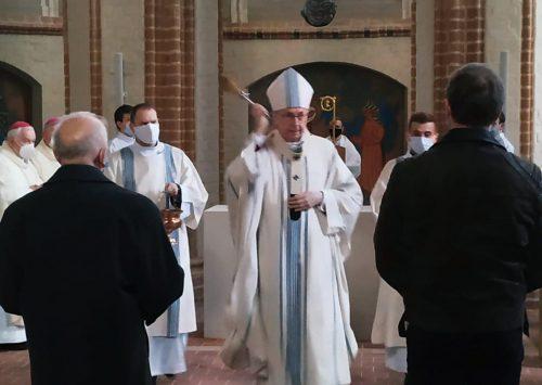 Abp Gądecki: Chrzest Polski przyniósł wartości, które stanowią o polskiej i chrześcijańskiej tożsamości