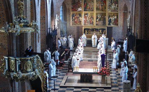 (Polski) Abp Gądecki do kapłanów: Kościół potrzebuje doświadczenia autentycznie pięknej liturgii eucharystycznej