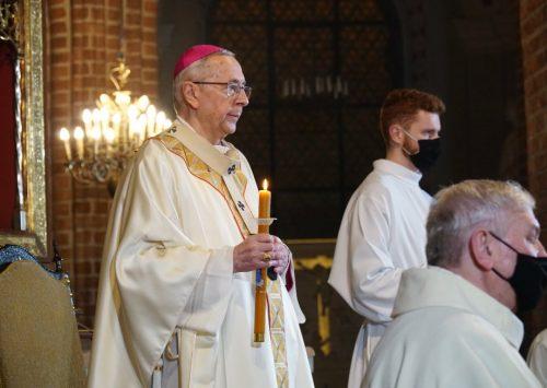 Abp Gądecki: Zmartwychwstały Chrystus początkiem nowego życia