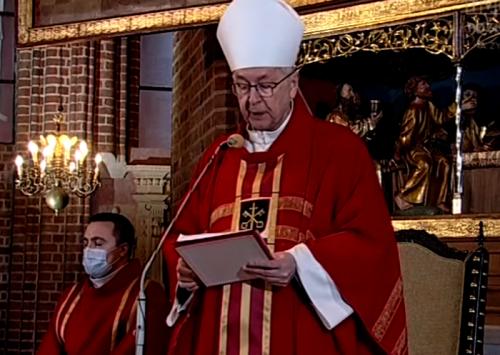 Abp Gądecki: Krzyż Chrystusa nadaje sens i nadzieję naszemu krzyżowi