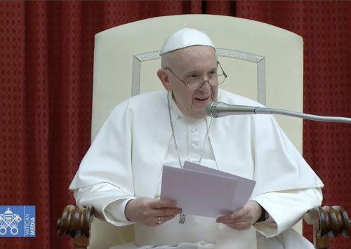 (Polski) Papież Fanciszek solidaryzuje się w modlitwie z ofiarami pożaru w Nowej Białej