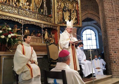 Abp Gądecki zainaugurował Synod w archidiecezji poznańskiej